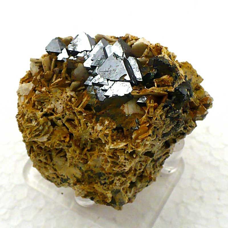 Magnétite sur Orthose du Maroc