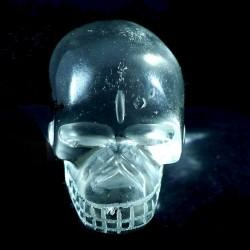 crâne sculpté en cristal de roche du brésil 3cm