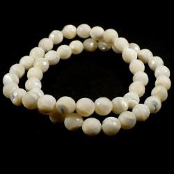 Bracelet en nacre perles facettées 8mm