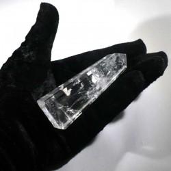 obélisque taillée en cristal de roche 9cm