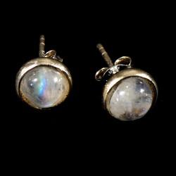 puces d'oreilles en pierre de lune serties argent